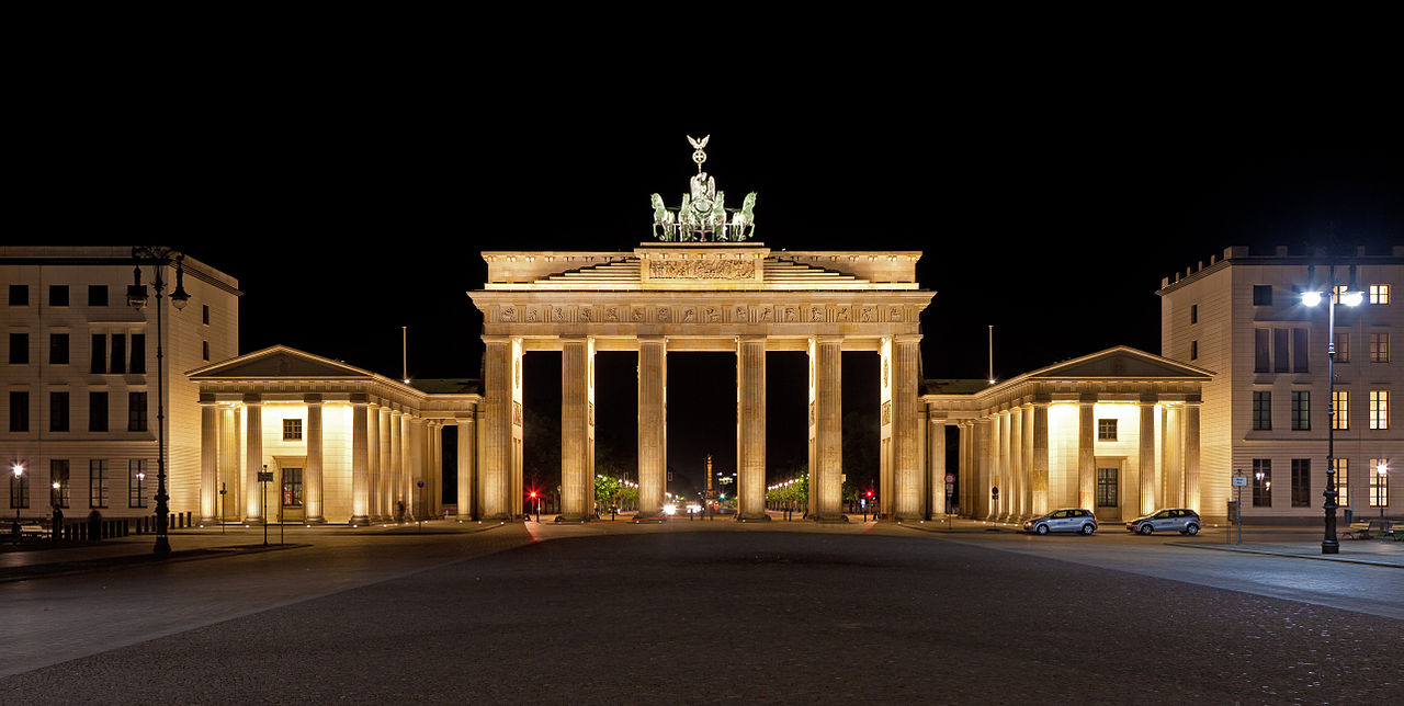 brandenburg gate at night - photo #24