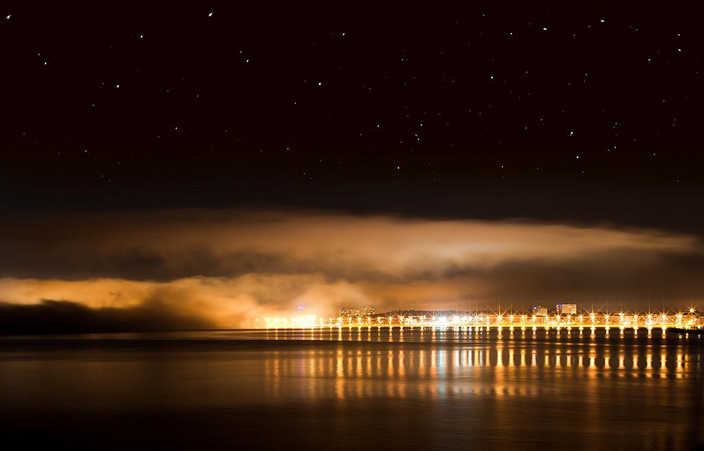 Palma de Mallorca at night. Taken by Wikimedia Commons user Andrés Nieto Porras.