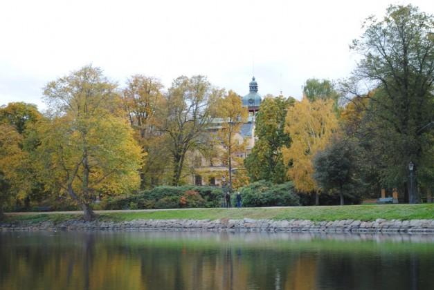 Along Stockholm's Djurgårdsbrunnskanalen Stockholm Royal Canal Tour around Djurgarden