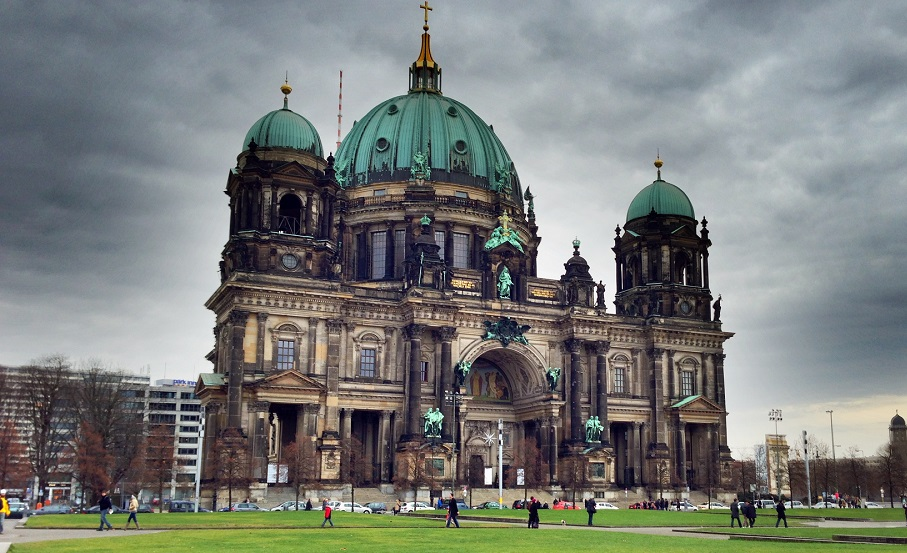 Berlin Museumsinsel (Museum Island) and Berliner Dom Satellite View Map