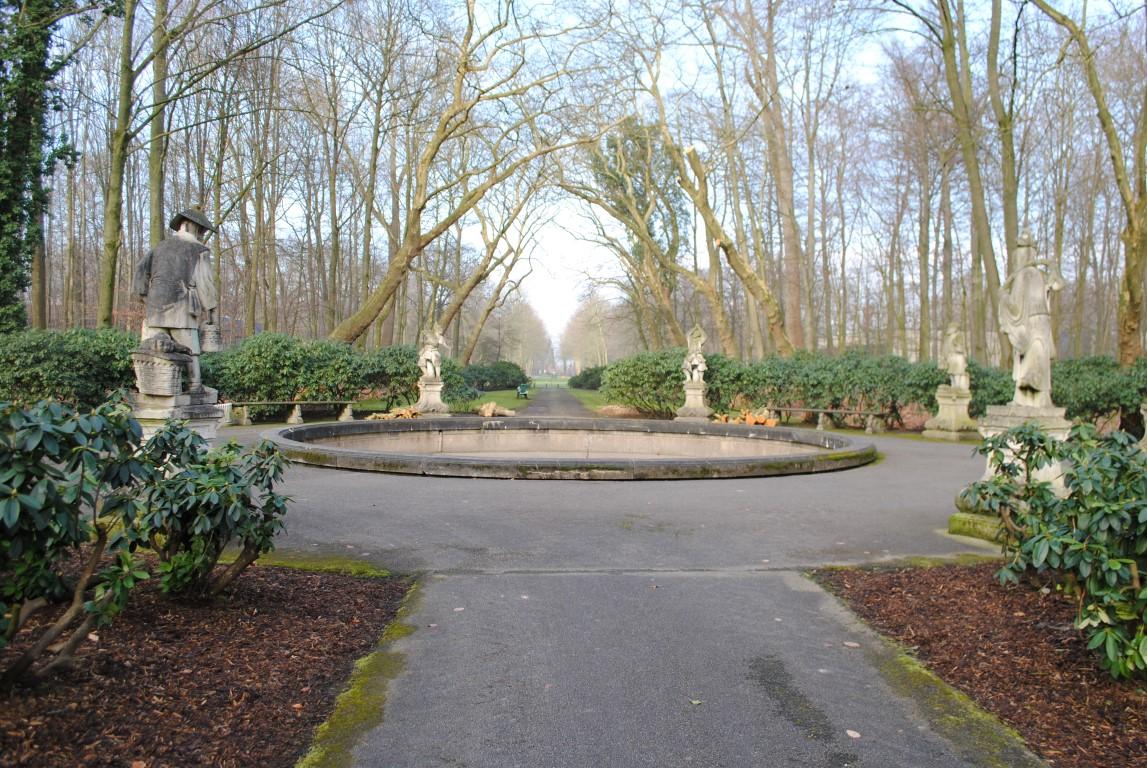 Path to Schloss Nordkirchen